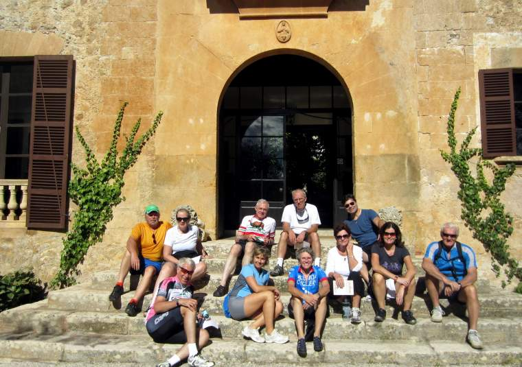 Group shot mallorca mondo bike tours