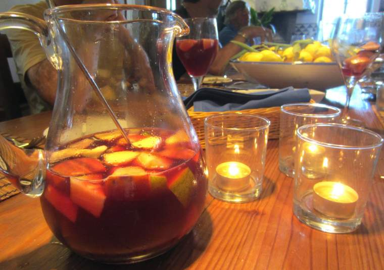 Sangria customwalks mondo bike tours