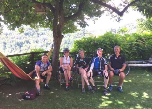 21 mondo bike tours piedmont group at lunch