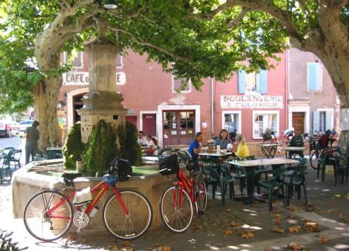 02 cafe with bikes mondo bike provence