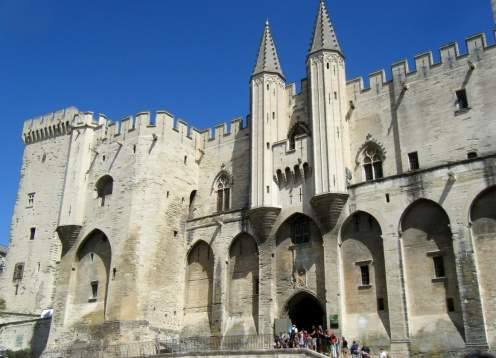 07 avignon papal palace mondo bike tours