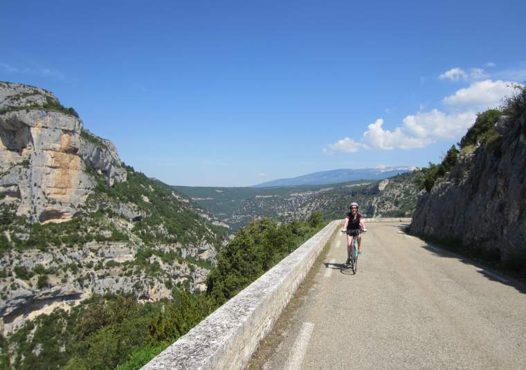 19 gorge de la nesque mondo bike tours